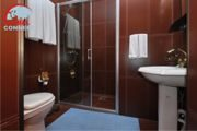 semi-luxe-bath